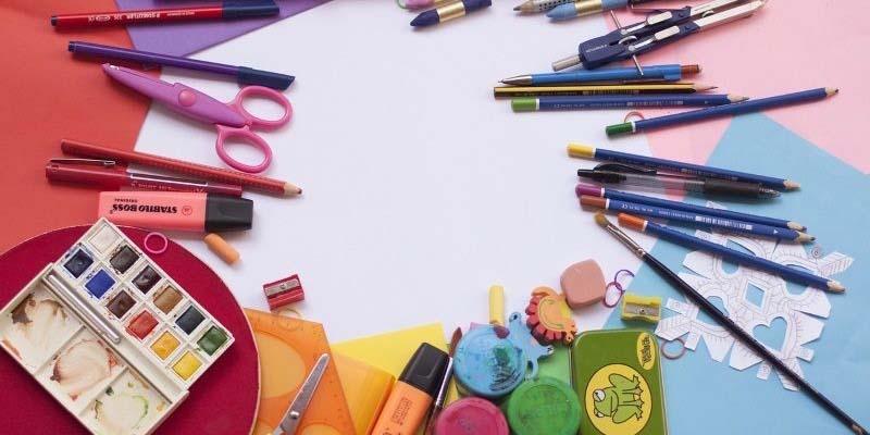 Escolas e listas de materiais – O mau exemplo vem até de quem deveria ensinar.
